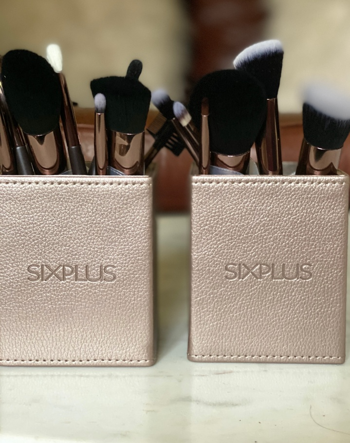Cruelty Free Vegan Brushes by Six Plus